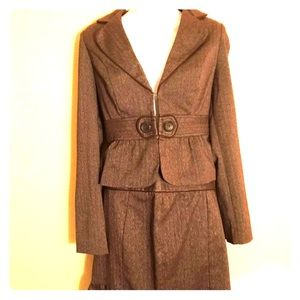 A. Byer Brown Woven Skirt/Jacket Suit Size Medium